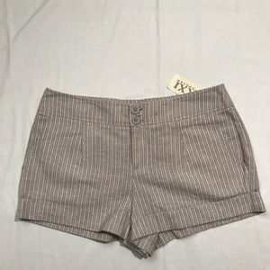 NWT Forever 21 Shorts   Size M